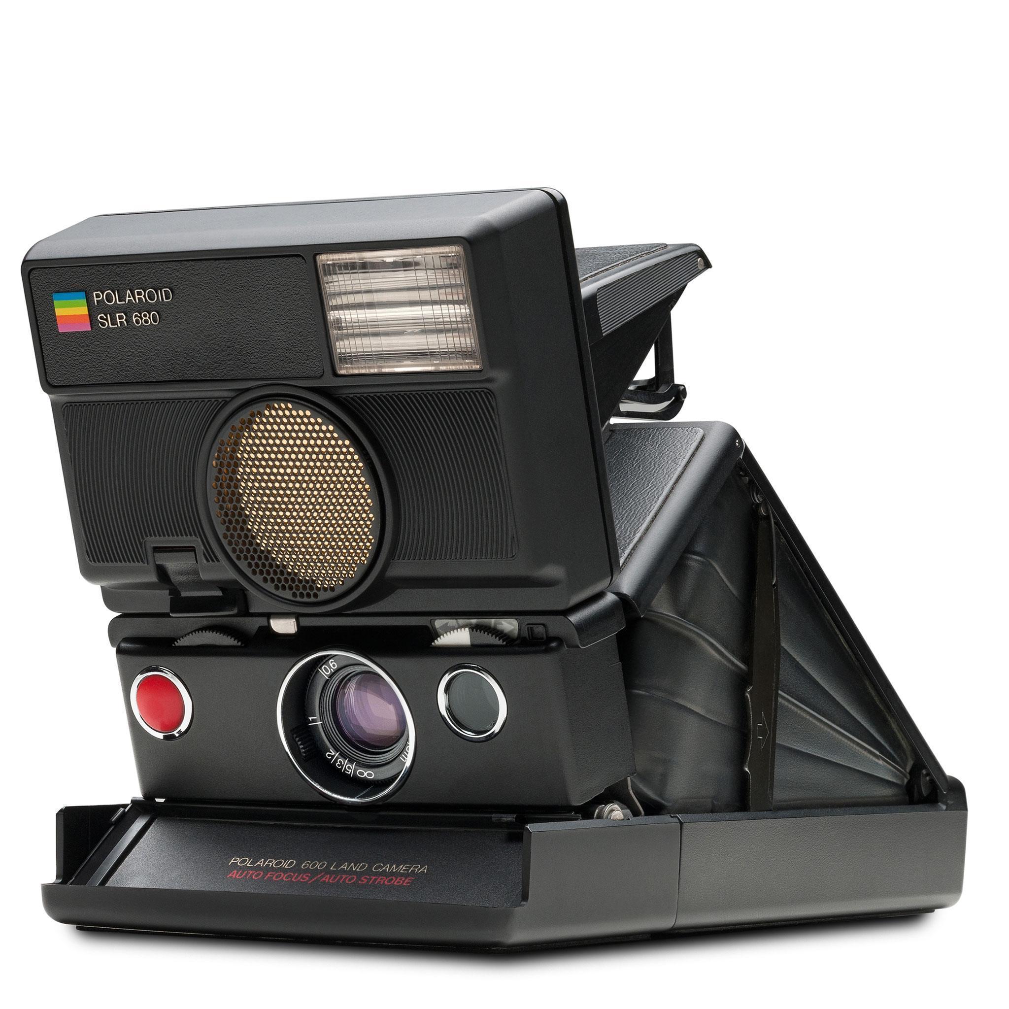 polaroid-600-camera-slr680-004705-angle.jpg